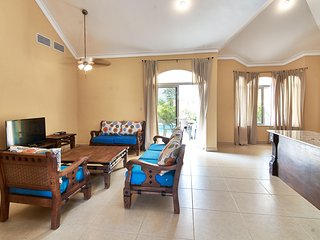 Superior 3 bedroom villa at Ocean Village, fully air-conditioned, guest friendly