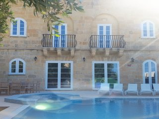 House of Character with pool For rent in Xaghra, Gozo - Malta https://m.youtube.
