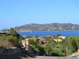 Villetta Le Rose nel Residence Cala Ginepro (Sardegna) di fronte isola di Molara