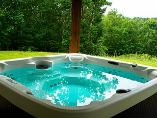 FALL MIDWEEK SALE 30% WATER PARK~HOT TUB~FIRE PIT~FIREPLACE~POKER/POOL/PING PONG
