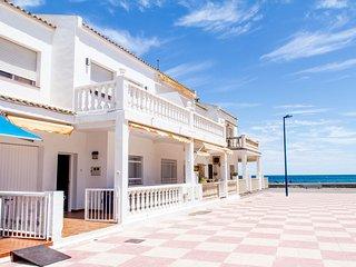 Tot un mon, beach house, casa en primera linea de playa en Pucol Valencia Puzol