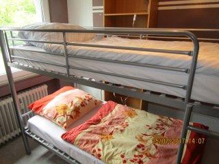 Betten im WG Zimmer nähe Köln neben Kerpen