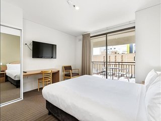 Perth City Pad - Perfect Location - 2 bedroom sleeps 4 - fully equipped