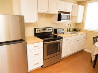 226 Lux 1 Bedroom Near UCLA Westside on Westwood Boulevard totally private unit