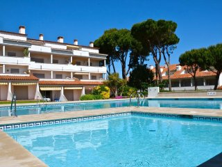 Agradable apartamento con piscina y sol