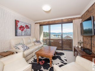 Central Park 15 - Two Bedroom top floor unit in the heart of Jindabyne