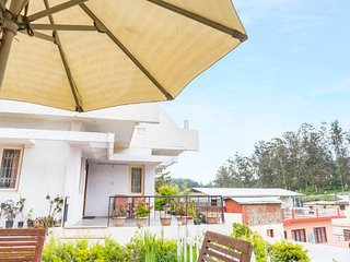 Homely room for backpackers, 900 m from Ooty Lake