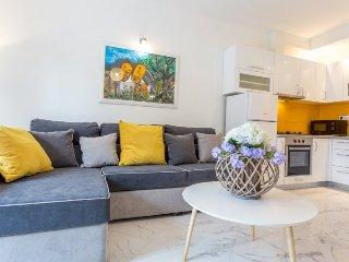 Apartment Honeymoon