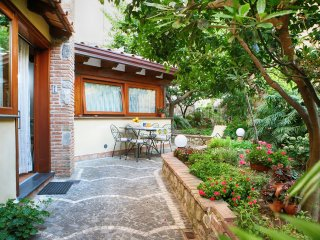 Cosy Appartamento Enzo, walking distance to town, free parking, wifi