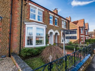 Kelso House heacham  gorgous 4 bedroom Victorian terrace 10 min walk from beach.