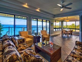 Penthouse Paradise! Modern Kitchen+Bath, Washer/Dryer, WiFi, Lanai–Poipu Shores