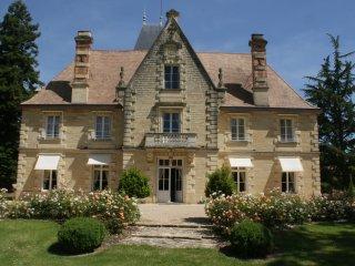 Chateau en location parfait pour decouvrir l histoire de marguerite duras