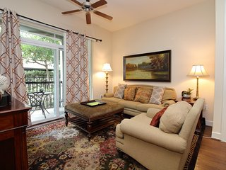 1 B/B, Luxury Apt, Energy Corridor, W. Houston
