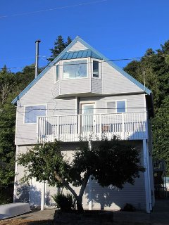 This three-storey beach house is a new charming getaway -SLEEPS 6