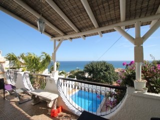 Lovely spacious 3 bedroom villa with private pool and sea views