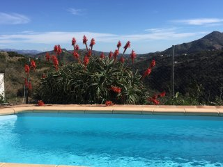 Casa Luna - gorgeous country hideaway with pool and aircon