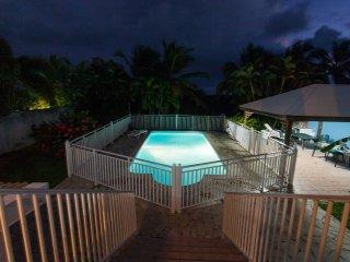 Idyllic island-style flat w balcony