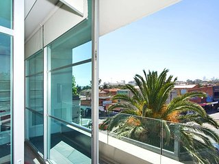 Penthouse Executive Apartment in St Kilda  : 39/220 Barkly Street, St Kilda