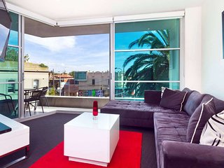 St Kilda Executive Apartment  : 27/220 Barkly St, St Kilda