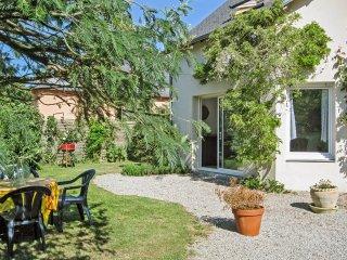 Sunny house w/ terrace & garden