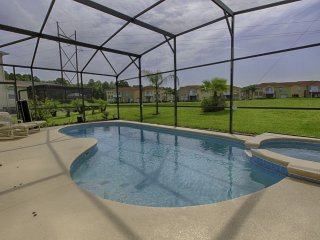 4 BEDROOM HOUSE WITH PRIVATE POOL AND GAME ROOM WINDWOOD BAY!