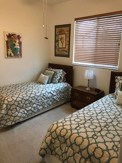 Guest Bedroom 3 (Two Twin Beds)