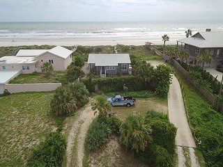 Crescent Cottage, Ocean Front, Sleeps 10, 4 Bedroom, WiFi, Flat Screens