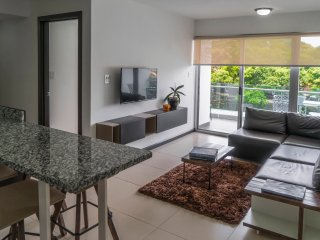 Modern & comfortable 2 bedroom apartment