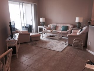 1st Floor Condo, 3 BR, 2 Bath, Close to Gulf Beaches, Quiet Gated Community.