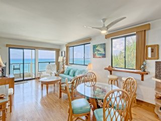 Luxe Pacific View w/Wood Floors+Modern Kitchen, Lanai, Laundry, WiFi–Poipu
