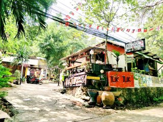 TukTuk Guesthouse is located on 'WhiteSandBeach'