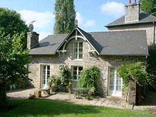 Le Pintadeau Cottage, Lehon, Dinan, Brittany