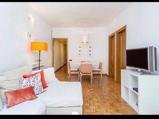 Espacioso piso de 4 habitaciones, para 6 huespedes. WIFI