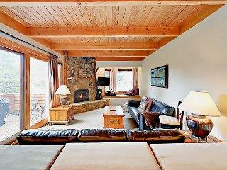 3BR Luxury Keystone Ski Condo w/ Patio, Hot Tub, Sauna Close to Lifts