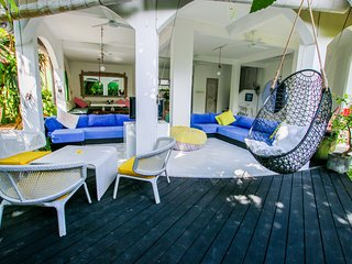 Lovely Roma 4bd villa central Seminyak 900 m to beach