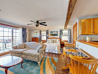 Suites by the Sea Studio w/ Private Ocean-View Balcony, Near Rockland