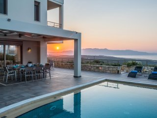 Dioni Luxury Seaview Villa, Kontomari Chania