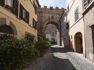 The Ancient Wall - Meravigliosa Casa del 1500 nel cuore di Roma