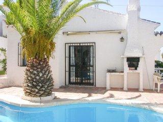 Spacious Spanish villa w/ pool
