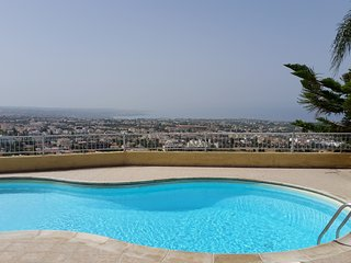 Three Bedroom Townhouse in Peyia with Stunning Sea Views