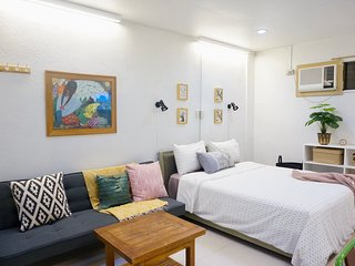 Cool and Comfy! Big studio in UP Village Quezon City