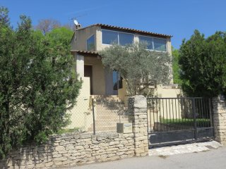 Bright house in Mérindol -sleeps 11