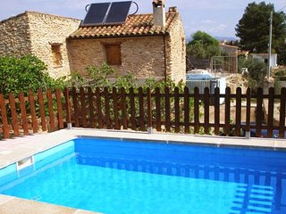 Traditional chalet w/ swimming pool