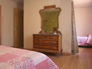 Habitacion familiar: 2 habitaciones dobles, contiguas y con bano