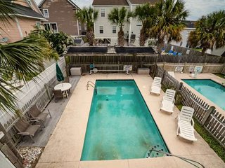 Sea Chique - Private Pool & Hot Tub, 1 Block from Beach