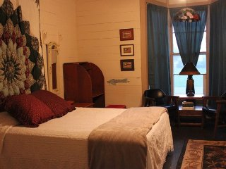 The Civil War Room in Weiss Lake Bed and Breakfast