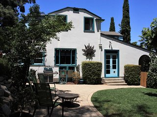 Vintage LA! Cypress Hillside offers 1921 elegance, fabulous interior and grounds