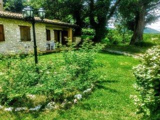 Spoleto By The Pool: APT 6. Central Spoleto 0.7 ml