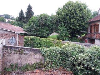 T2 bis 37 m2 4 couchages, avec balcon a 5 min des Thermes de Cransac