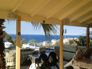The Beach / Mountain Villa Holiday Rental
